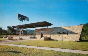 East Red Wing Minnesota~Sterling Motel~1950s Cars~Postcard