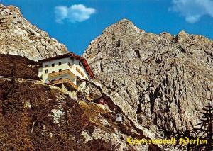 Werfen Land Salzburg, Bergstation Eisriesenwelt Die Eishoehle im Tennengebirge