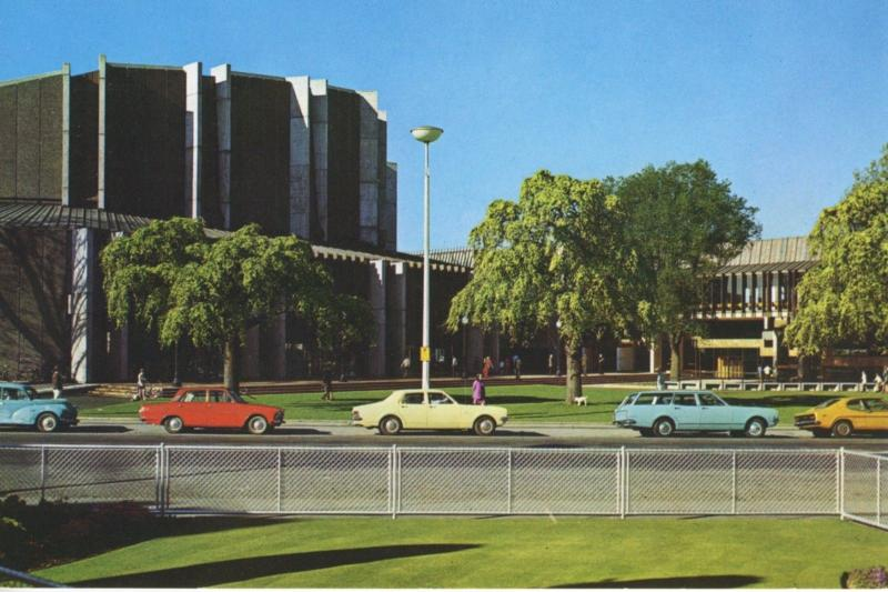Christchurch Town Hall NZ New Zealand Old Cars Unused Vintage Postcard D22