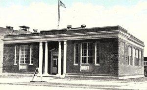 C.1910 U. S. Post Office, Russellville, Ark. Blue Sky Vintage Postcard P135