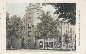 BRANTFORD , Ontario , PU-1905 ;  Young Women's Association