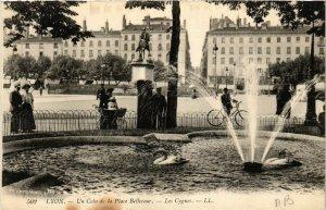 CPA LYON Un coin de la Place Bellecour - Les Cygnes (461532)