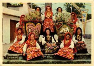 CPM Viana do Castelo Mordomas com os cestos floridos da Festa PORTUGAL (750735)