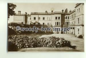 tp0839 - Kent - East side of David Salomons House c1951, Southborough - Postcard
