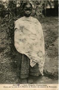 CPA RATAVY Jeune Malgache d'Ambatolampy MADAGASCAR (709507)
