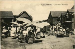 CPA TANANARIVE Le Marche au Riz a Isotry MADAGASCAR (709660)