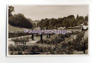tq2019 - Kent - Well kept Gardens, Calverley Grounds, Tunbridge Wells - Postcard