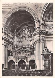 Berlin France Predigtkirche Blick auf die Orgel Berlin Predigtkirche Blick au...