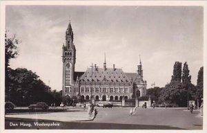 Netherlands Den Haag Vredes Palaeis