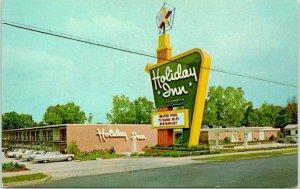 STATESBORO, Georgia Postcard HOLIDAY INN MOTEL Highway 301 Roadside c1960s