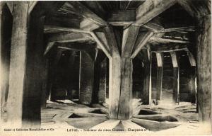 CPA Laval-Intérieur du vieux Cháteau (186654)