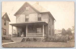 Hubbard OH Old Mother/Daughter on American Square Home Porch~Balusters 1914 RPPC