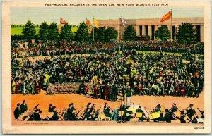 1939 NEW YORK WORLD'S FAIR Linen Postcard Musical Program in the Open Air