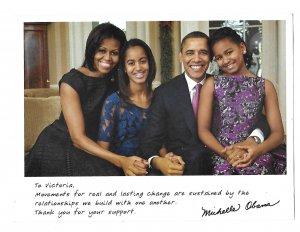 Picture of the Obama US Presidential  Family 2012 Thanking for Support