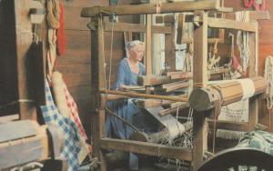 8951 Spinning & Weaving Exhibit, Williamsburg, Virginia