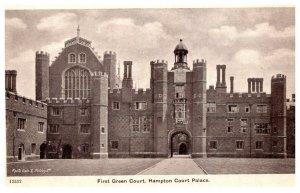 England  First Green Court , Hampton Court palace