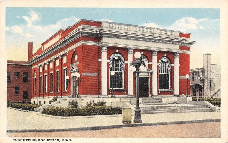 Rochester Minnesota~Post Office~Lyman's Department Store Behind~1920s Postcard