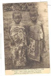 Deux petites mignonnes Togolaises pour qui va bientot luire du Bapteme, Togo,...