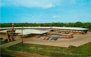 Baton Rouge Louisiana~Holiday Inn~Nice 1950s Cars~Postcard