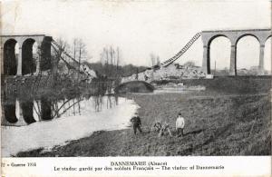 CPA Militaire - Dannemarie - Le Viaduc gardé par des soldats Francais (698547)