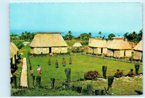 Model Village Tamavua Heights Fiji Bures Vintage 4x6 Postcard E15