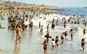 Crowds On The Beach LONG BEACH, CA  Los Angeles County 1959 Vintage Postcard