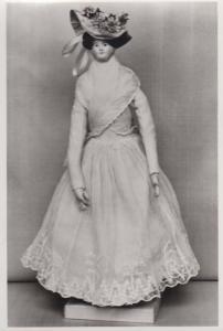 1792 Antique Victorian Toy Stuffed  Doll Drefts Clothes London Museum Postcard