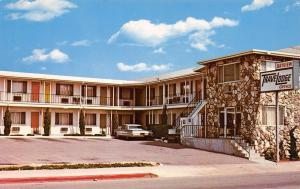 San Diego California~Bayview TraveLodge Motel~Pacific Hiway~1970s Postcard