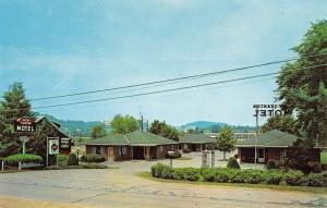 New Stanton Pennsylvania Motel Street View Vintage Postcard K69578