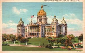 Des Moines, Iowa, IA, State Capitol, 1942 Linen Vintage Postcard g824