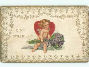 Pre-Linen Valentine CUPID HOLDING VIOLET FLOWER BOUQUET AC4352