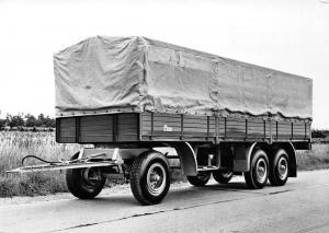LKW Anhaenger August Graf oHG Fahrzeugbau Neustadt/Weinstr. Truck Trailer Auto