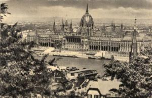 Hungary Budapest Latkep az Orszaghazzal 01.50