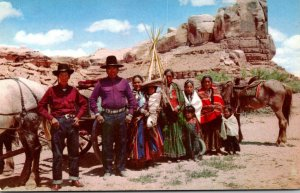 Arizona Navjo Family On The Reservation