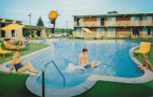 Swimming Pool at Quality Inn East Motel - Winchester VA, Virginia
