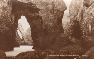 RP: PERRANPORTH , Cornwall , England , 1930s ; Arched Rocks