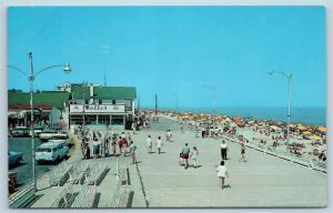 Postcard DE Rehoboth Beach North View on Boardwalk Dolle's Salt Water Taffy F27