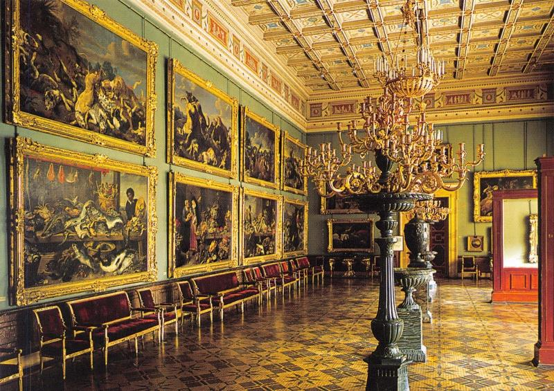 St Petersburg Russia Postcard, The Hermitage, The Snyders Hall Y15