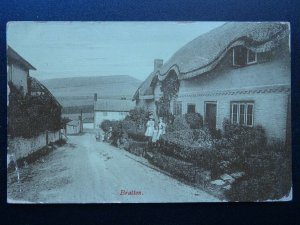 Wiltshire BRATTON Melbourne Street THATCHED COTTAGES c1911 Postcard by Wilkinson
