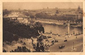 B105053 France Paris Perspective sur la Seine Ponts Bridges