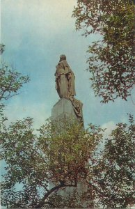 Postcard Azerbaidjan Monument to the Liberated Azerbaijani Woman 1974