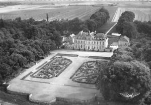 BR20847 Chateau le tremblay osmonville vue aerienne France