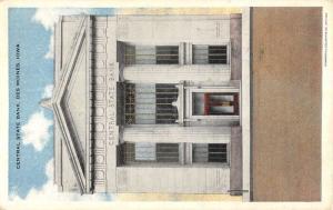 Des Moines Iowa Central State Bank Street View Antique Postcard K54705