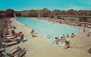 MOODUS , Connecticut, 50-60s ; Swimming Pool