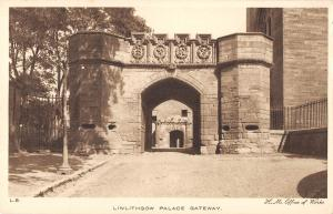 uk20083 linlithgow palace gateway scotland  real photo uk