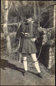 greece, Highly Armed Unknown Patriotic Soldier, Riffle Gun Pistol (1920) RPPC