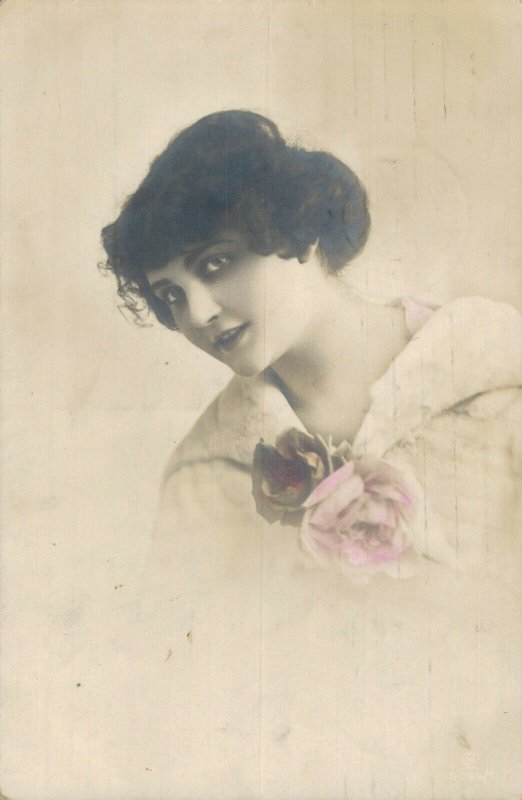 Art Nouveau Lady With Rose Real Photo Postcard 06.57