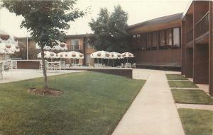 Middleburg Ohio~Harley Hotel Of Cleveland West~Patio Umbrellas1950s PC