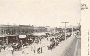 LP81 Montrose  Colorado Postcard Busy Day Street View wagons