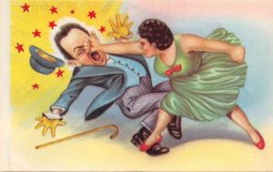 WOMAN PUNCHES MAN IN FACE WHILE STANDING ON HIS FOOT~MEXICO COMIC POSTCARD 1940s